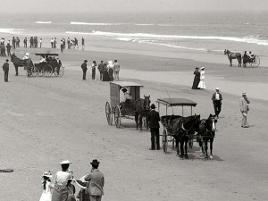 Driving on Daytona Beach 1904